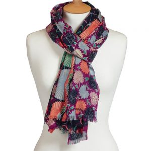 Folklorique wool scarf