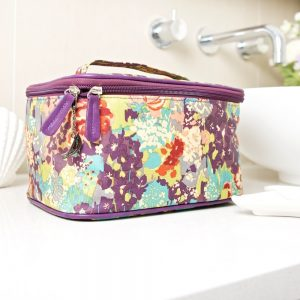 E Forest Vanity case Main