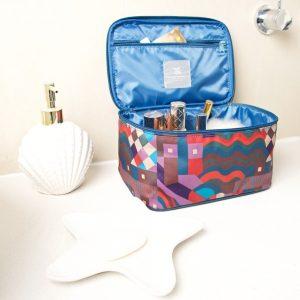 G Jewel vanity case open B
