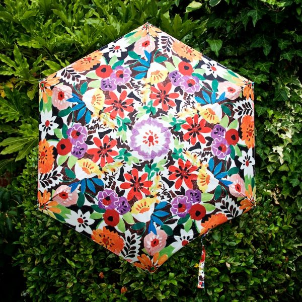 umbrella-open-full-shot-garden-ls-portico